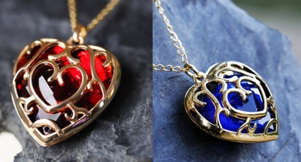 zelda-heart-container-necklace-blue-and-red